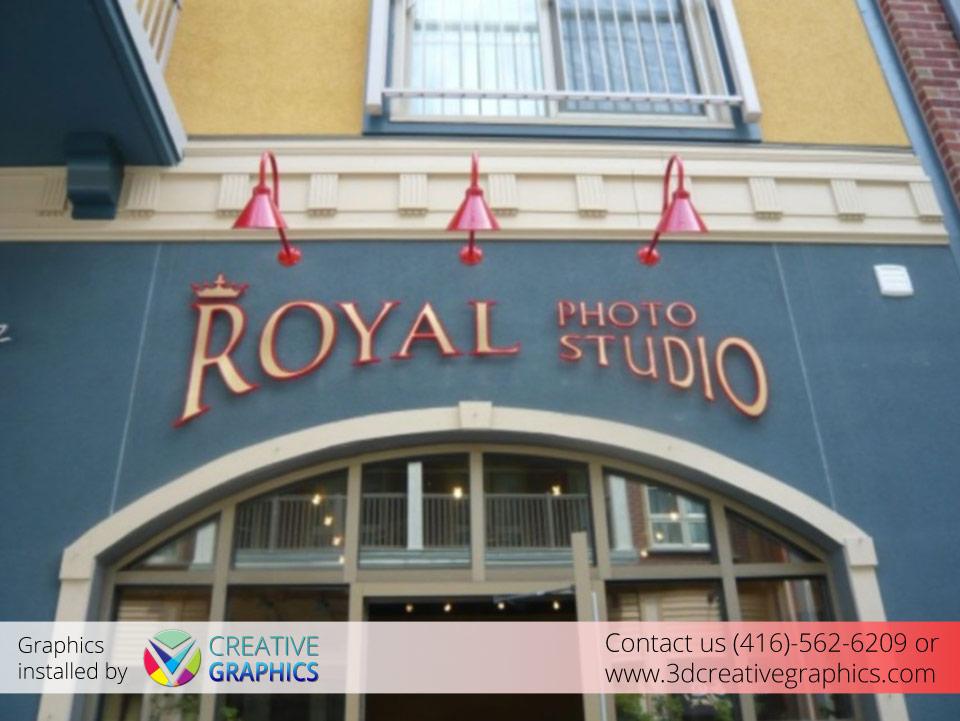 Royal Photo Studio Pin-Mount